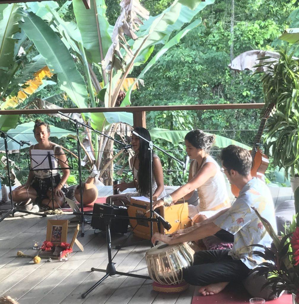 Puerto Viejo Costa Rica Yoga kirtan